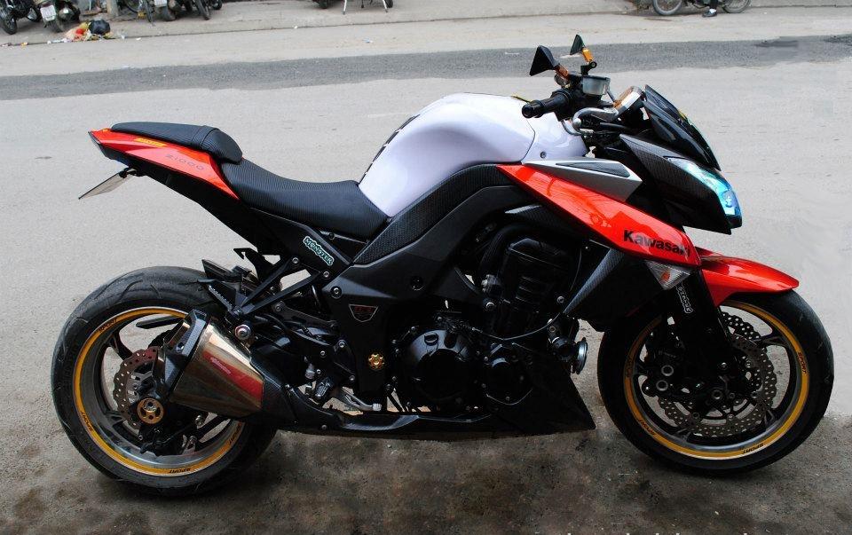 Thay nhớt máy cho xe môtô z1000 - 1