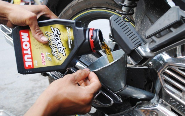Hướng dẫn chọn dầu nhớt tốt cho xe máy pgm - fi - 5