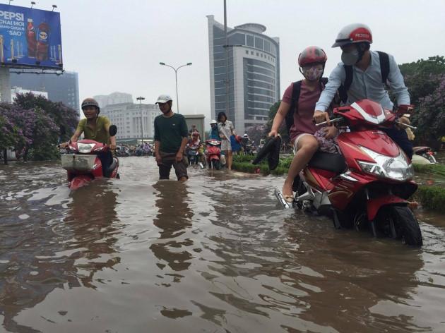 Xe tay ga bị ngập nước bao nhiêu thì phải thay nhớt - 2