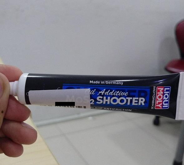 Phụ gia nhớt động cơ mos2 shooter liqui moly - 1
