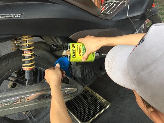 Những ưu điểm của nhớt raf oil racing mà bạn nên biết - 1
