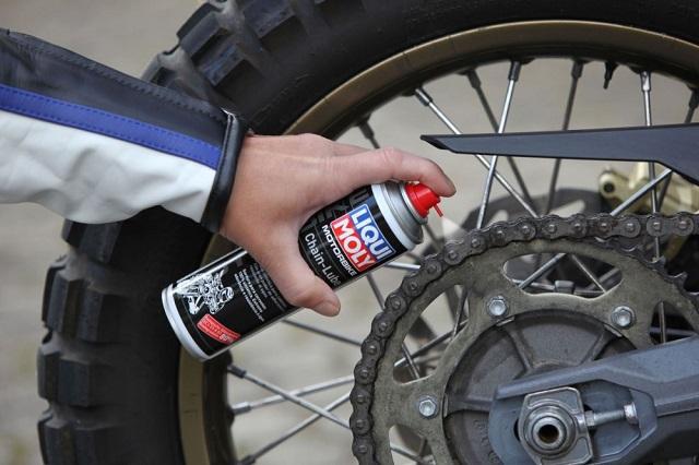 Cách vệ sinh sên xe exciter với chai xịt sên thật dễ và tiết kiệm - 7