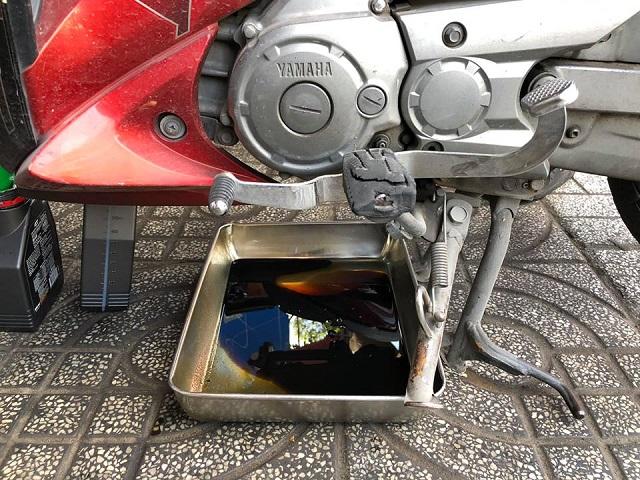 Quên thay nhớt xe máy chính hãng cho xe có tác hại như thế nào  - 2