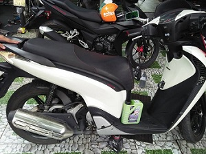 Thay nhớt xe máy Honda giá bao nhiêu và ở đâu uy tín?