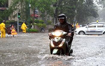 Xe tay ga bị ngập nước bao nhiêu thì phải thay nhớt?